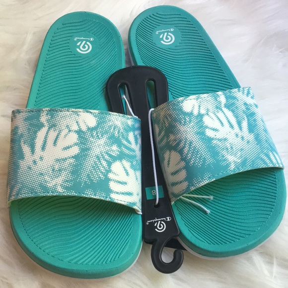 904c24c753c2 CHAMPION flip flop sandals SZ 8 floral theme NWT